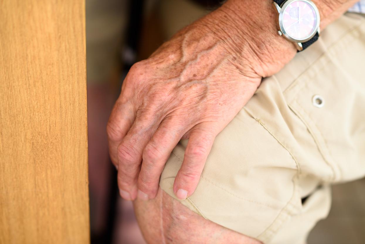 hand van oude man